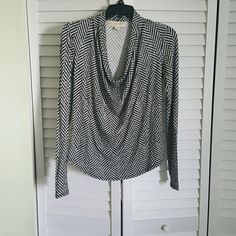 Houndstooth Dressy top Exellent condition MICHAEL Michael Kors Tops Blouses