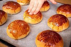 """6,201 Beğenme, 61 Yorum - Instagram'da Yemek.com (@yemekcom): """"Pastanelerdeki poğaçalardan çok daha hafif, çok daha lezzetli.😋 Mide yakmayan, tam ölçüleri asla…"""" Middle Eastern Recipes, Baked Potato, Hamburger, Food And Drink, Baking, Ethnic Recipes, Instagram, Bakken, Hamburgers"""
