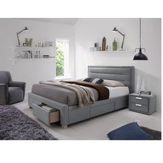 Ines fiókos ágykeret szürke 160 cm Stílusos, időtálló bútordarabot keresel? Az Ines ágykeretet neked találták ki! Különleges kialakításának köszönhetően rendkívül praktikus bútordarab. Fiókos kivitele miatt nem lesz problémád többé azzal, hogy hová tedd ágyneműdet. Kiváló minőségű alapanyagokból készült, ezáltal meglehetősen tartós, garantáltan hosszú ideig dobja fel otthonodat.