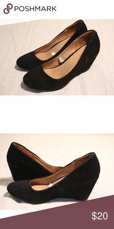 Merona Wedge Heels Size:7.5 Material: Faux Suede Measurements: 8.5 inches long, 3 inches wide, 3 inch heel Notes: Light wear, a few scuffs but overall excellent condition. Extremely comfortable to wear. Merona Shoes Wedges