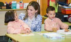In September 2014, Letizia was on hand to help with the first day of school in Orense, Spain.