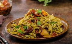 Nudeln Mediterrane Art – lassen Sie sich vom Geschmack begeistern -> https://www.zentrum-der-gesundheit.de/spaghetti-mediterrane-art.html #gesundheit #nudeln #ernaehrung #rezept #vegan