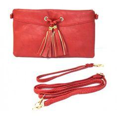 La última tendencia en moda son los bolsos borloneados  Los nuestros son ideales......apuesta por esta moda con el color rojo pasión ❤❤❤ ❗❗POR MENOS DE 10 EUROS ❗❗⬇ http://www.misstendencias.com/18-bolsos #tendencias   #complementos   #cool   #moda   #bolsos   #castellanos   #borlascuero   #blogger   #regalo   #capricho   #streetstyle   #style   #bolsomano   #bandolera