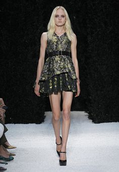 LOOK 22 Blush floral brocade V-neck pleated trapeze top Navy floral brocade pleated skirt.