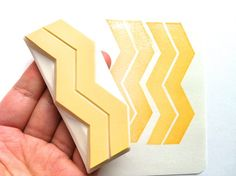 geometric pattern stamp. hand carved rubber stamp. por talktothesun