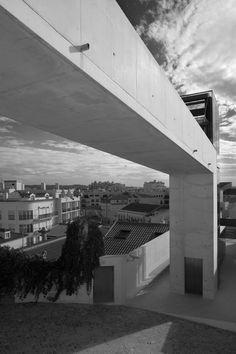 Gallery - Urban Requalification of S. Martinho do Porto / Gonçalo Byrne Arquitectos - 1