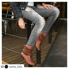 #Repost @santa_lolla with @repostapp  Jeans destroyed  bota com fivela formam aquele look puro rock'n roll que a gente ama!  R$44990 | Ref: 8400.2342.0078.0155  #santalollainv16 #boot #rocker by santalolla_anapolis http://ift.tt/1U1qWdY