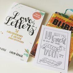 Ik heb hem al een poosje in huis, en wát ben ik er blij mee. Net als Bible Journaling is ook dit een prachtig hulpmiddel voor verdieping van je geloof; het boek LoveLetters. Dit boek biedt 52 Bijbe…
