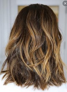 Nice colors in back. Love the curls!