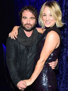 Kaley cuoco just got the most gorgeous hair extensions kaley cuoco kaley cuoco and johnny galecki exes holds hands at peoples choice awards pmusecretfo Gallery