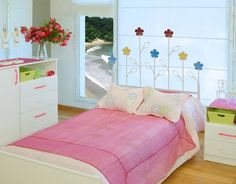 Sengegavl i smijern modell Floral. Decoration, Toddler Bed, Barn, Furniture, Design, Home Decor, Shopping, Iron Headboard, Painted Leaves