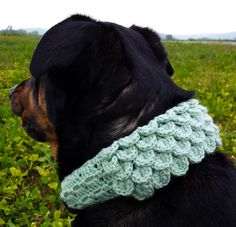 Dog collar sleeve with crocodile stitch and shell stitch crochet pattern PDF by Unseign, $4.00