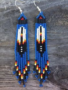 beaded earrings how to make Beaded Earrings Native, Beaded Earrings Patterns, Seed Bead Patterns, Native Beadwork, Bracelet Patterns, Indian Beadwork, Beading Patterns, Native American Earrings, Native American Beadwork