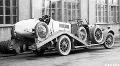 The first racing car transporter in history, based on a Mercedes-Benz touring car. The photo is dated 1924