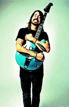 Look!  He's glowing! #davegrohl #foofighters