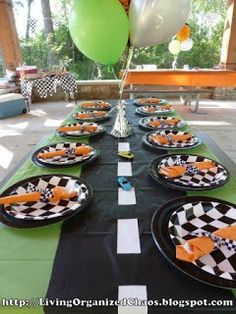 Race Car Birthday Party! Gonna have to do this for Declan next year!