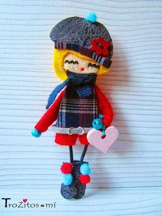 Felt Doll / Muñeca de Fieltro  http://www.trozitosdemi.com/