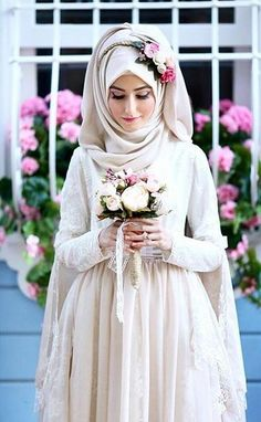 hijab-with-flower-head-crown-for-ravishing-bridals-5