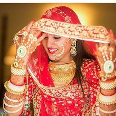 Rajasthani Bride, Rajasthani Dress, Rajput Jewellery, Bridal Jewellery, Jewelry, Indian Wedding Bride, Indian Wedding Photography Poses, Rajputi Dress, Bridal Poses