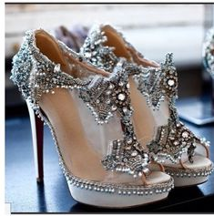 shoe/bootie. Follow us @SIGNATUREBRIDE on Twitter and on FACEBOOK @ SIGNATURE BRIDE MAGAZINE