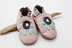 Süße Krabbelschuhe aus Leder mit Elefanten, Babyschuhe, Lederpuschen / cute baby shoes made of leather with elephant pattern made by Engel+Piraten via DaWanda.com