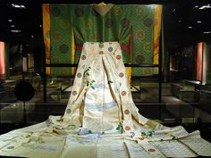 This replica Heian period twelve layer kimono is on display at the Kyoto Culture Museum. Heian Era, Heian Period, Japanese Fabric, Japanese Kimono, Kabuki Costume, Period Movies, Reference Images, Japanese Beauty, Fashion Fabric