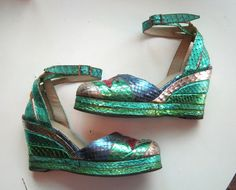 Be still my heart!!  1970s platform shoes de Havilland Glam Rock metallic by edgertor, $365.99