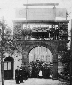 Historical Photographs of The Coal Arch, Dowlais, Merthyr Tydfil. British History, Women In History, Family History, Wales Uk, South Wales, Learn Welsh, New Bus, Over The River, Cymru