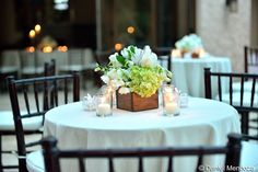Small wooden box for high tables