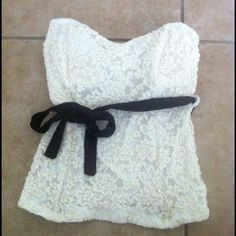 Tube top Off white, lace tube top, built in padding. Ribbon not included poetry Tops
