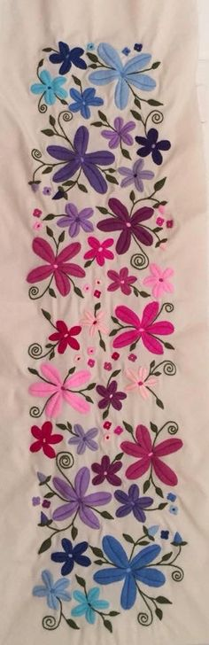 this dream flourish - PIPicStats Mexican Embroidery, Types Of Embroidery, Silk Ribbon Embroidery, Crewel Embroidery, Hand Embroidery Patterns, Cross Stitch Embroidery, Best Embroidery Machine, Machine Embroidery Projects, Bordado Floral