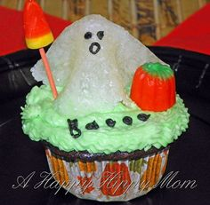 Roaming Ghost Cupcake - easy DIY tutorial to make ghosts!