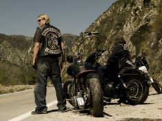 Sons of Anarchy - Jackson 'Jax' Teller (Charlie Hunnam) Season 1
