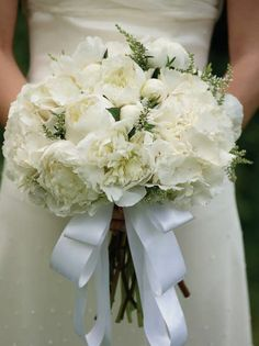 White Peonies for the bridal bouquet #weddingflowers #bridesmagazine #bridalbouquet #whitepeonies #peonies