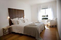 Klimatyczna sypialnia, elegancka sypialnia, przytulna sypialnia, aranżacja sypialni. Zobacz więcej na: https://www.homify.pl/katalogi-inspiracji/18715/homify-360-perfekcyjny-home-staging