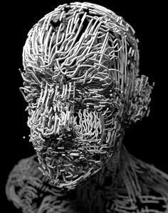 """CGI MASKEN. """"Ich habe schon als Kind immer Gesichter in Objekten und Oberflächen gesehen"""", so CGI-Künstler Lee Griggs."""