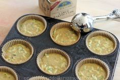 Recipe - Zucchini Cupcakes with Cream Cheese Frosting - One Hundred Dollars a Month Easy Zucchini Bread, Recipe Zucchini, Quick Bread, Sweet Cooking, Healthy Cooking, Healthy Eating, Healthy Recipes, Cupcakes With Cream Cheese Frosting, Cream Frosting