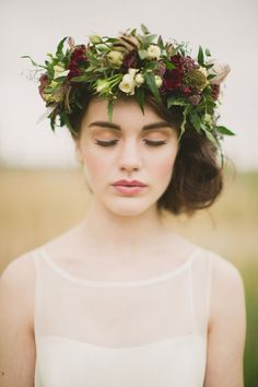 Wild at Heart styled shoot ~ Paula O'Hara and Pearl Godiva - Wedding Sparrow