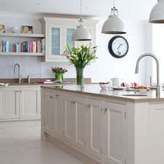 Traditional kitchen with prep island and pendant lighting | Kitchen decorating | Beautiful Kitchens | Housetohome.co.uk