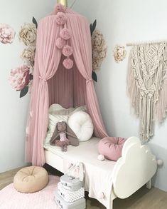 Blush dreamy canopy and pom garland