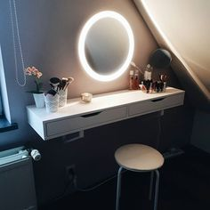 Yay, my little make-up corner is finished ! I went for a shelf with drawers for my everyday skin care and makeup and it fits perfectly ! And I absolutely love my new mirror with built-in lighting  Tap for brands (shelf, mirrors, stool, flower all from @ikeabelgium)  .  .  .  .  .  .  #makeup #makeupvanity #ikea #ikeabelgium #pinterest #pinterestidea #makeuptable #everydaymakeup #beauty #beautycorner #beautytable #instagrammer #igers #instagramblogger #blogger #belgianblogger #vsco #vscocam