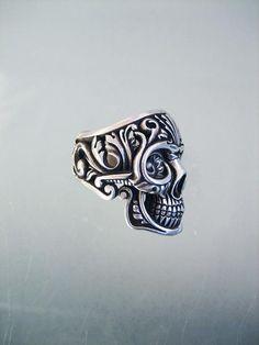 Victory skull ring by flintlockprivateer. Shop found here - http://flintlocksilver.bigcartel.com/
