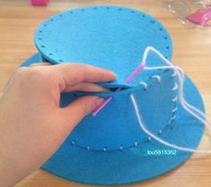 Discover thousands of images about Sombreros de goma eva para fiesta carioca 2 Foam Crafts, Yarn Crafts, Diy And Crafts, Arts And Crafts, Creative Activities For Kids, Diy For Kids, Crafts For Kids, Crazy Hat Day, Crazy Hats