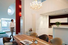 Umbau einer Dachgeschosswohnung in ein Penthouse inkl. Fitness und Wellnessbereich in 1040 Wien. Oversized Mirror, Fitness, Furniture, Home Decor, Homes, Decoration Home, Room Decor, Home Furniture, Interior Design