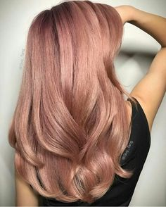35 Charming Rose Gold Hair Colors - Page 27 of 35 - LoveIn Home - 35 Charming Rose Gold Hair Colors Rose gold hair,hair colors,hairstyle ideas. Pretty Hairstyles, Long Hairstyles, Hairstyle Ideas, Party Hairstyle, Bangs Hairstyle, Latest Hairstyles, Cabelo Rose Gold, Rose Gold Hair Blonde, Rose Gold Ombre