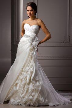2013 Luxurious Wedding Dress USD 299.99