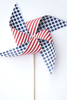 DIY 4th of July Pinwheels | Little Peanut Magazine