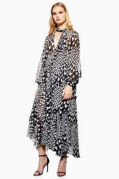 7 Boho Topshop Dresses You ll Want to Wear All the Time dfb770bfab