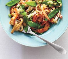 Shrimp Lo Mein   Get the recipe: http://www.realsimple.com/food-recipes/browse-all-recipes/shrimp-lo-mein-00100000072561