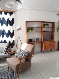 Olohuone - Sisustuskuvia jäseneltä MiiMii - StyleRoom Marimekko, Entryway Bench, Loft, Bed, Furniture, Home Decor, Entry Bench, Hall Bench, Decoration Home